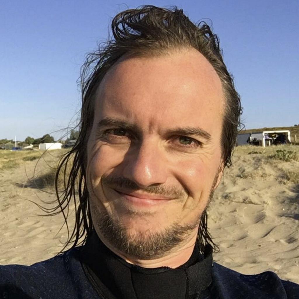 foto van Sven na een windsurfsessie